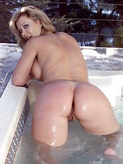 Milf at Pool Porn Pics